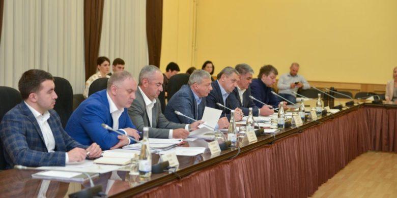 Вячеслав Битаров и Сергей Чеботарев обсудили вопросы развития курорта Мамисон