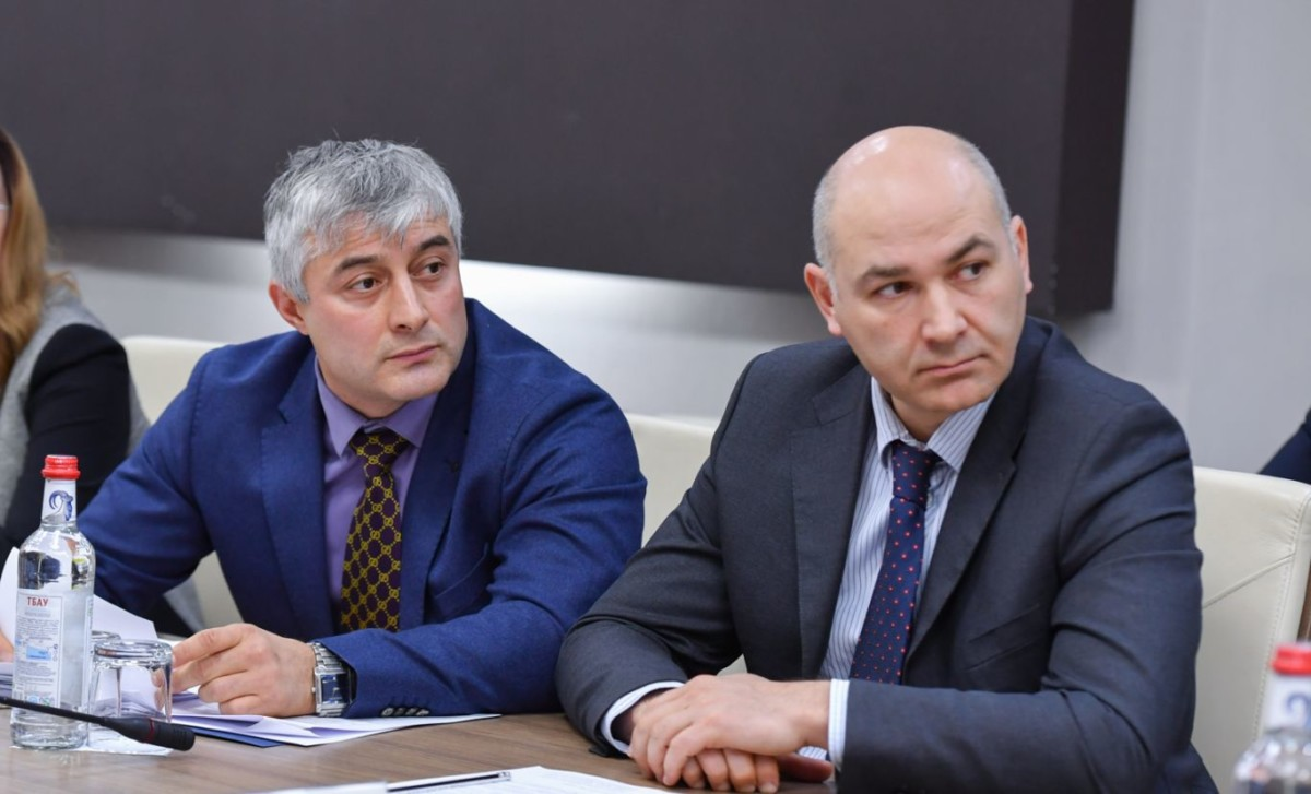 Вячеслав Битаров поручил оказать все виды государственной поддержки проекту производства сырья из лекарственных трав